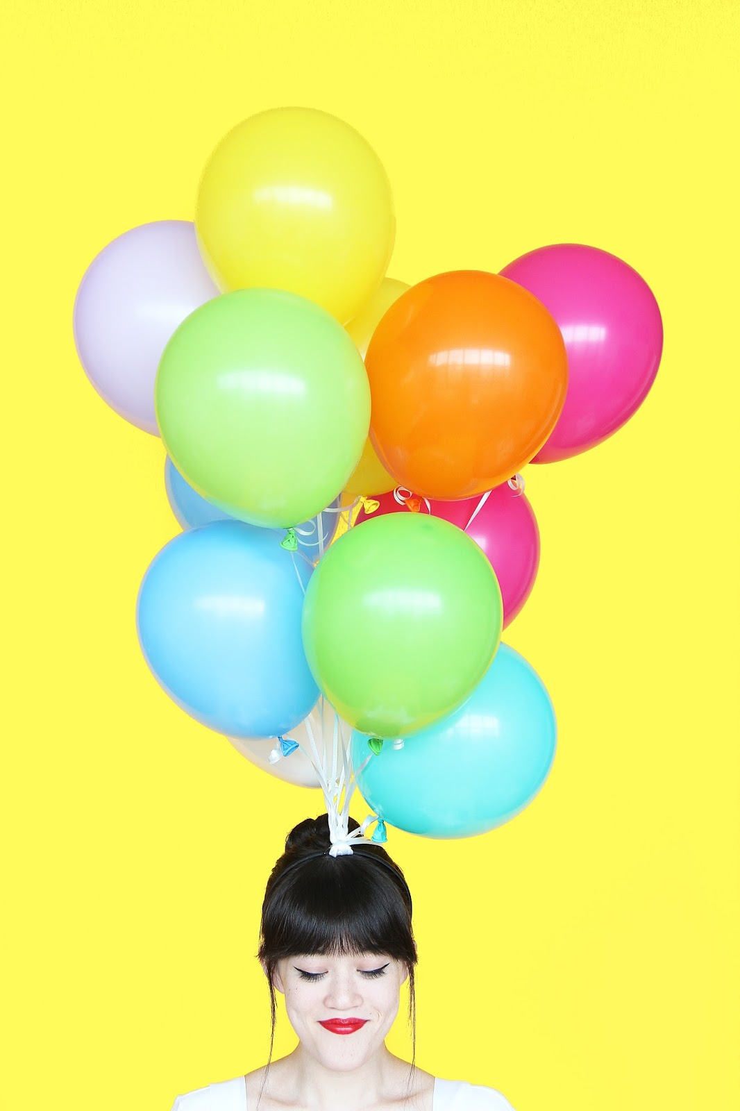 ... of balloons on your head. Thatu0027s all we really want in a Halloween costume right?! Hope youu0027re just as crazy about this as I am! Find the how-to below!  sc 1 st  Aww Sam & DIY Hot Air Balloon Halloween Costume