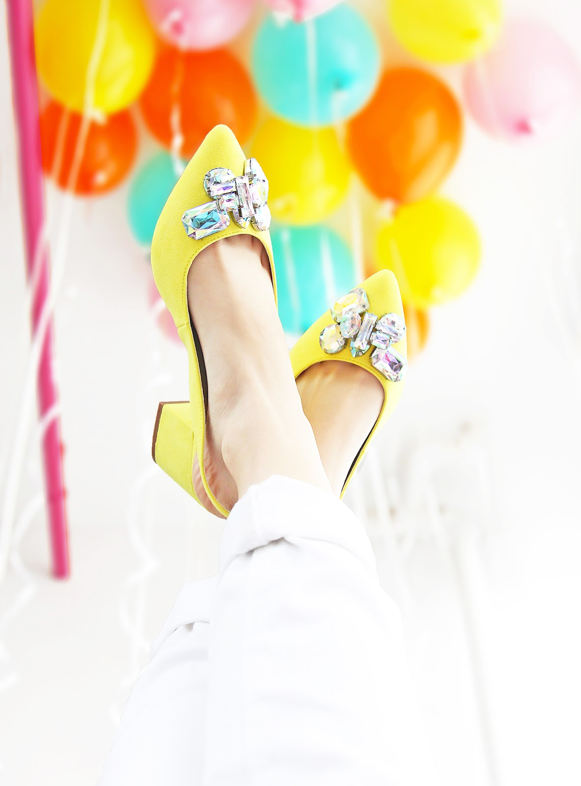 yellowshoes2