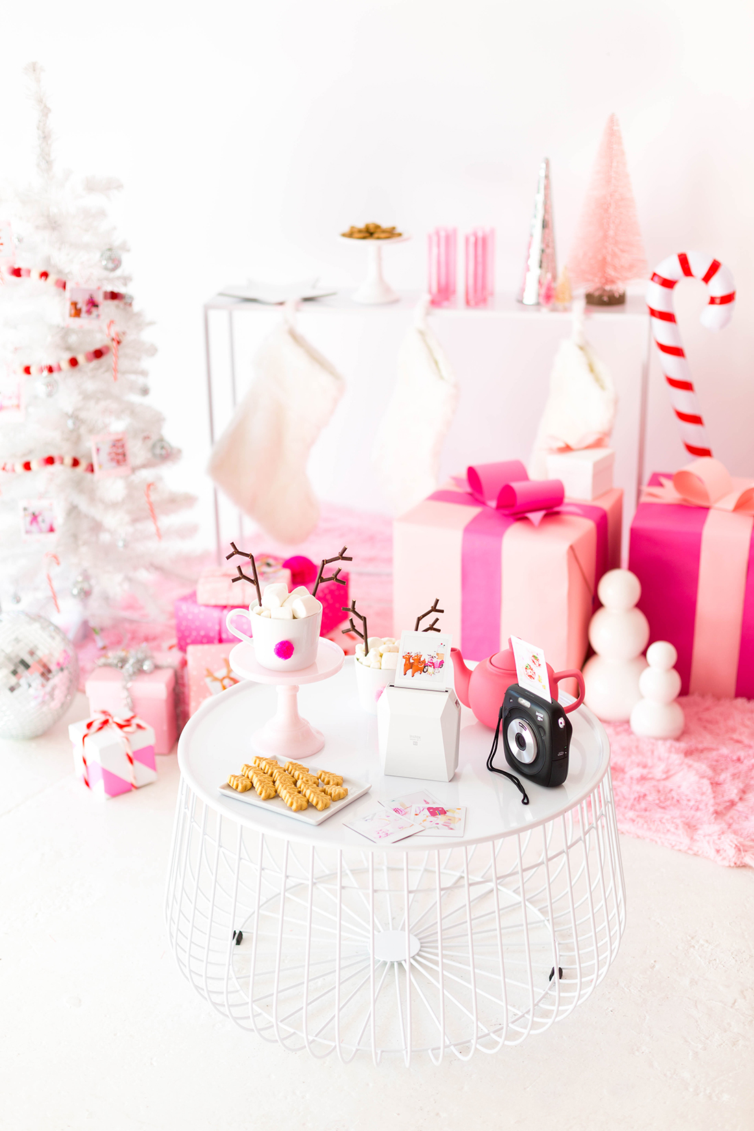 I'm Dreaming Of A Pink Christmas Party!